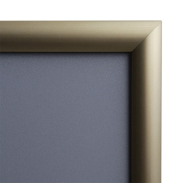 klapprahmen-25er-detail-eckverbindung-gold 3